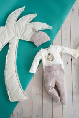 Set beige Baby Strampelhose mit Füßen & Ananas Motiven, Wickelbody langarm & Mütze - Jungen & Mädchen Schlafhose & Stramplerhose von Pinokio - Babyphoto