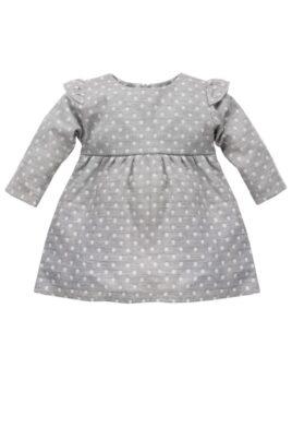 Pinokio graues Baby Langarmkleid mit weißen Punkten & Rüschendetails für Mädchen – Gepunktetes hellgraues Kinder Babykleid Baumwollkleid mit All-over-Muster Polka Dot – Vorderansicht