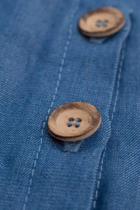 Blaues Mädchen Kinder Baby Langarm Kleid mit Holz Knöpfe Knopfleiste, seitlichen Taschen & Patch im Blue Denim Jeans Look aus Lyocell Tencel nachhaltig - Navy dunkelblaues Langarmkleid Rundhals Babykleid Jeanskleid strapazierfähig & atmungsaktiv von Pinokio - Detailansicht