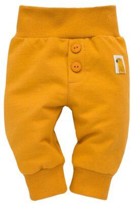 Pinokio currygelbe Babyhose mit Knöpfen, Patch Papagei & breitem Komfortbund & Bündchen für Jungen & Mädchen – Senfgelbe Sweathose Schlupfhose – Vorderansicht