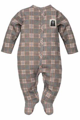 Pinokio gemusterter kariert grauer Baby Langarm Schlafstrampler Schlafoverall mit Füßen & Bären Patch für Jungen – Schottenmuster Kinder Schlafanzug mit Fuß – Vorderansicht