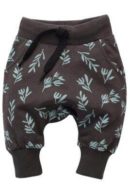 Pinokio braune Baby Kinder Pumphose Haremshose mit Taschen, Zweige mit Blätter All Over Muster für Jungen & Mädchen – STAY GREEN Babyhose Sweathose Pants Jogger – Vorderansicht