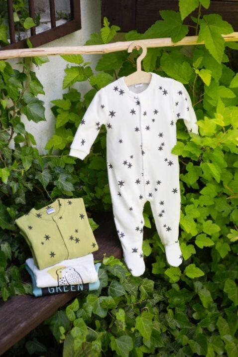 Baby weißer & grüner Schlafanzug Einteiler mit Fuß & Sterne - Weißer Wickelbody langarm Eule - Grüner Body langarm STAY GREEN von Pinokio - Inspiration Lookbook
