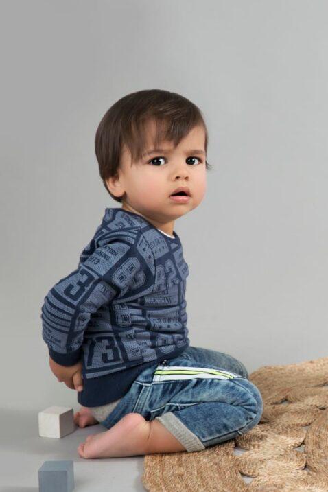 Junge denim blaue Baby Jeans mit Gesäßtaschen, Streifen & Einschubtaschen Kinderjeans - Jungen Oberteil gemustert von Dirkje - Babyphoto Kinderphoto