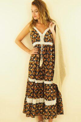 Maxikleid mit Vintage-Muster und aufgenähten Spitzenelementen im Boho-Style, Sommerkleid, beige – Vorderansicht