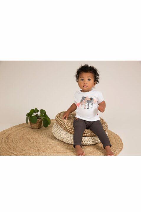 Dirkje Babyshirt Kurzarmshirt für den Sommer mit Rundhalsausschnitt und Druckknöpfen - weiss mit Print - Babyphoto