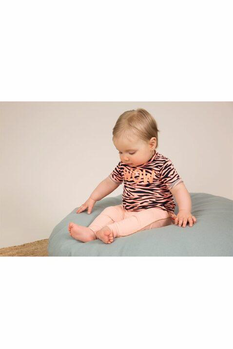 Babyhose Sweathose mit Taschen + Glitzer-Paspel in rosa - Babyshirt mit Rundhalsausschnitt + WOW-Aufdruck im Tiger-Muster - für Mädchen - Babyphoto