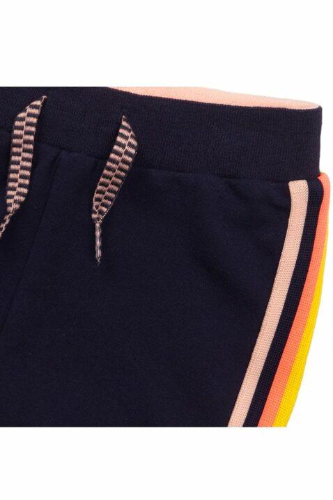 Babyhose Shorts kurze Hose aus weicher Baumwolle in navy mit Streifen - Babyshorts für Mädchen von Dirkje - Detailansicht