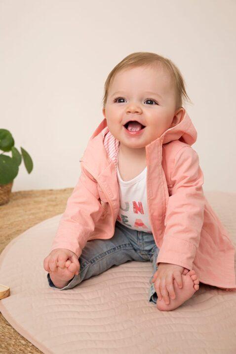 Kinderjacke Baby Kapuzenjacke mit Taschen in rosa für Mädchen - Babyjäckchen aus Baumwolle mit Herz-Print von Dirkje - Babyphoto
