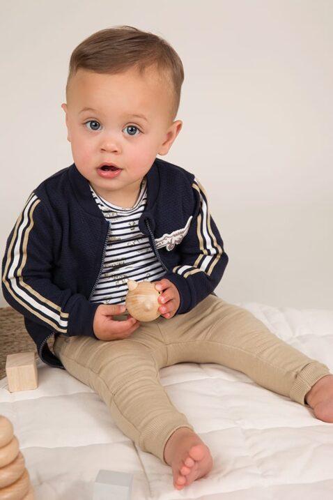 Baby Sweatjacke Kinder College-Jacke navy mit Streifen + Krokodil - Streifen-Shirt mit Rundhalsausschnitt - beige Babyhose für Jungen - Babyphoto