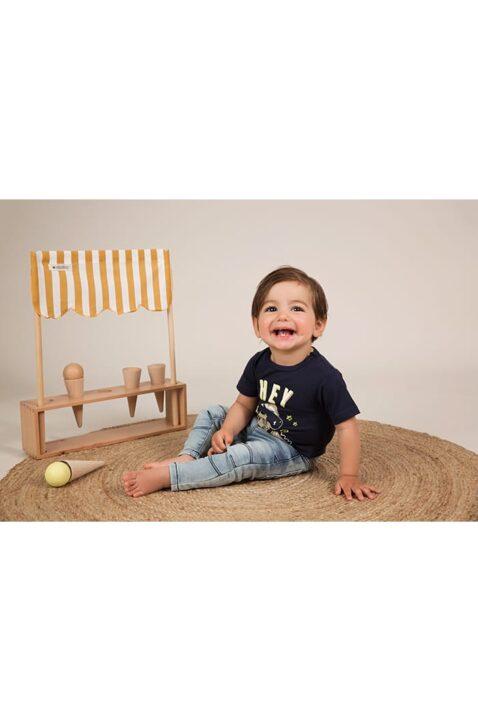 Baby Sommershirt Kurzarmshirt aus weicher Baumwolle mit Tiermotiv + Druckknöpfen an der Schulter - Babyhose Kinder Jeans für Jungen von Dirkje - Babyphoto