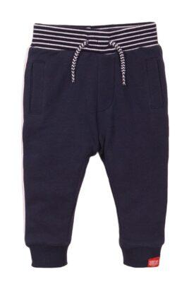 Dirkje Baby Jogginghose mit Taschen + gestreiftem Komfortbund – Baby Sweathose mit Patch – Babyhose für Jungen dunkelblau – Vorderansicht