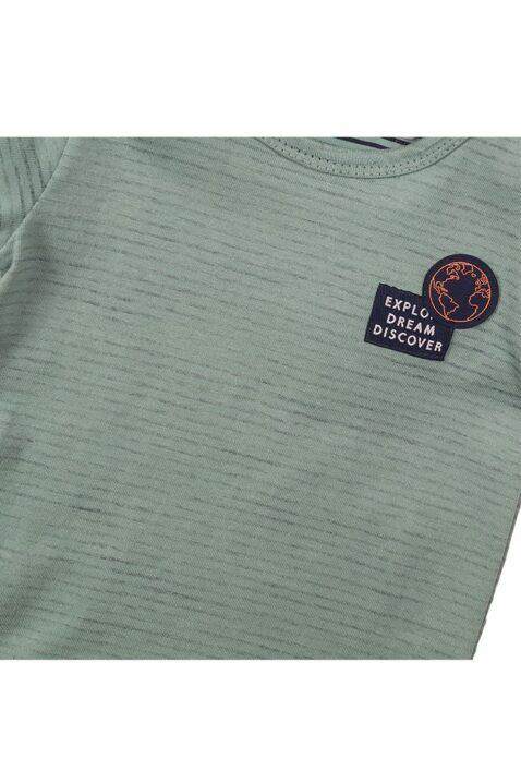 Baby T-Shirt Sommershirt aus weicher Baumwolle mit Rundhalsausschnitt + Weltkugel-Patch - Kurzarmshirt für Jungen in grün von Dirkje - Detailansicht