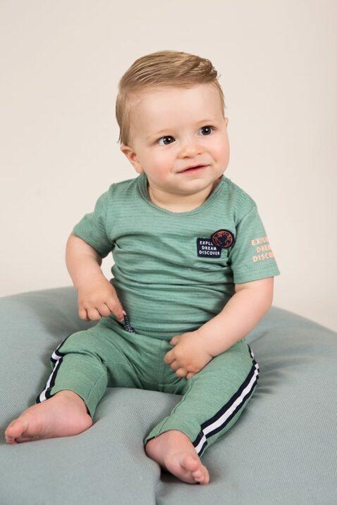 Baby Sommershirt kurzarm mit Rundhalsausschnitt grün - Kinder Sweathose in grün mit Streifen von Dirkje - Babyphoto