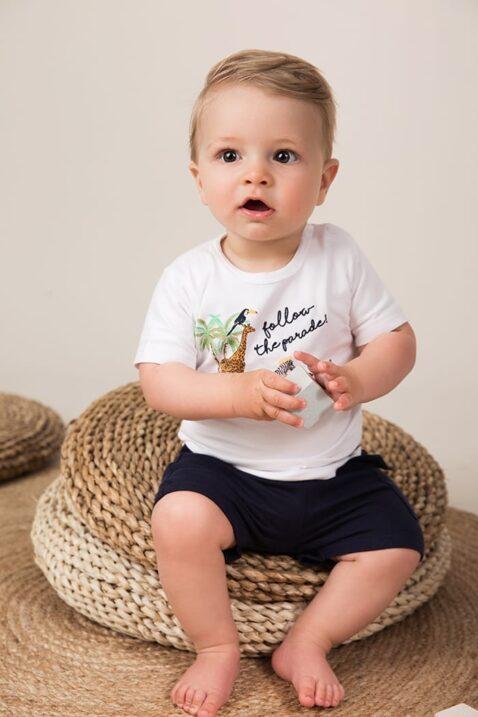 Baby Kurzarmshirt mit Tierparade-Stick + Leder-Patch mit Palme weiß - Jungen Shorts für den Sommer aus Baumwolle von Dirkje - Babyphoto