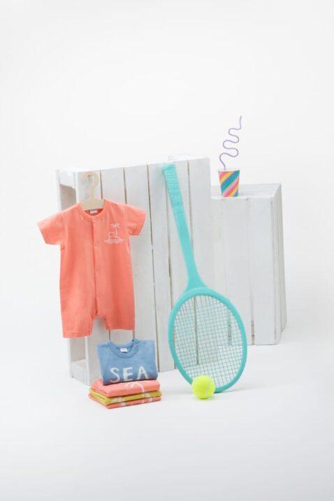 Orange koralle hochwertiger Kinder Baby Spieler Romper Overall kurz mit Insel, Meer, Palme, Strand für den Sommer von Pinokio - Inspiration Lookbook