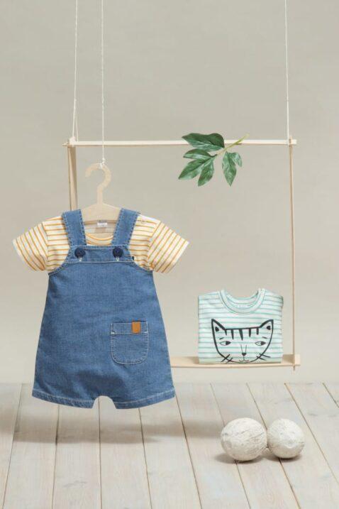 Blaue Kinder kurze Jeans-Latzhose mit Tasche - Orange gestreift T-Shirt mit Katze - Katzen Babybody kurzarm Streifen türkis von Pinokio - Inspiration Sommer-Outfit