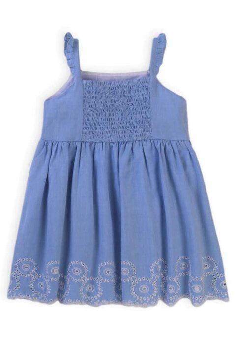 Hellblaues Baby Kinder Freizeitkleid mit Rüschen, Jakobsmuschel Saum, Stickereien, Quasten & Rückenausschnitt mit Smokeinsatz aus Baumwolle für den Sommer von Minoti - Rückenansicht