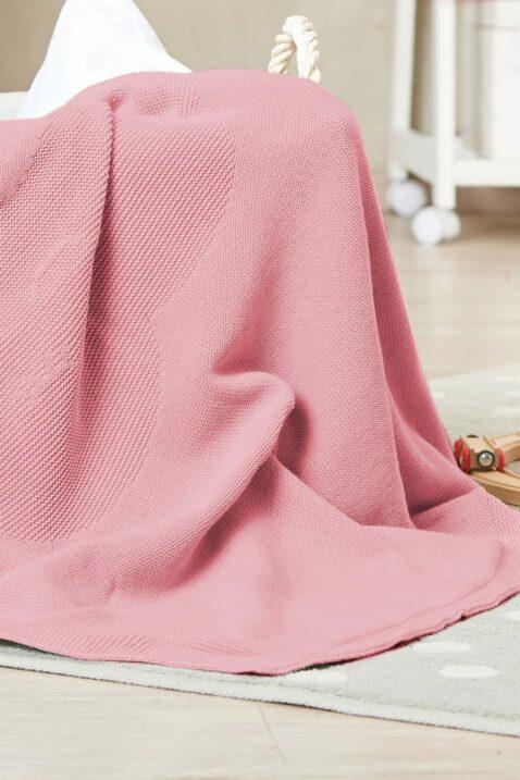 Rosa rot Babydecke mit eingestricktem Wolkenmotiv aus hochwertiger & pflegeleichter Baumwolle OEKO Tex von Nordic Coast Company - Kinderdecke Inspiration Lookbook