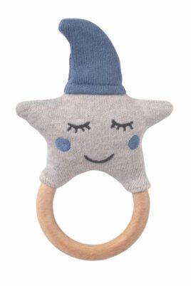 Blau graue Babyrassel Greifling mit Holz Beißring Sterne-Optik aus OEKO TEX Baumwolle für Neugeborene & Babys von Nordic Coast Company - Vorderansicht Rassel