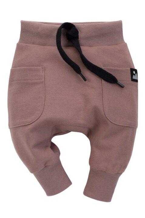 Beige Kinder Baby Pumphose Haremshose Jogger mit Taschen & Berge-Patch für Mädchen & Jungen - Dunkelbeige Baumwolle Pants Babyhose Sweathose von Pinokio - Vorderansicht