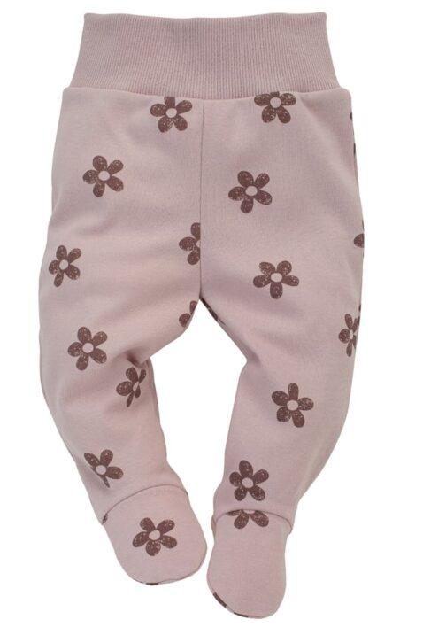 Rosa Baby Strampelhose mit Fuß & Retro Blumen gemustert & breiter Komfortbund für Mädchen - Hellrosa lange Kinder Schlafhose Halb-Strampler mit Füßen von Pinokio - Vorderansicht