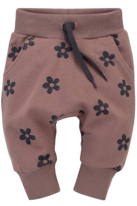 Dunkelrosa Baby Pumphose mit Taschen, Kordel, Komfortbund, breite Bündchen & Blumen gemustert im Retro Look für Mädchen - Rosa Baumwolle Kinder Haremshose von Pinokio - Vorderansicht