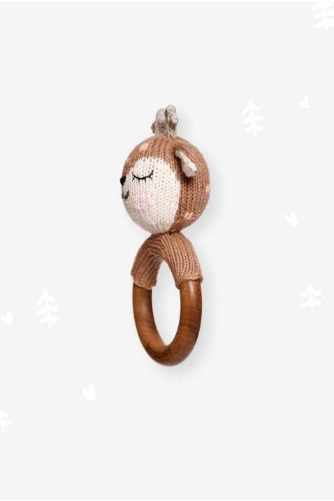 Handmade handgefertigter Beißring aus Holz & Reh Tier Rassel im Strick-Look braun aus OEKO TEX Bio Baumwolle für Neugeborene Kinder von Knit A Buddy - Beißring Rassel Seitenansicht