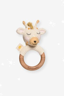 Knit A Buddy Baby Holz Tier Beißring Greifling mit Rassel Giraffe Strick weiß aus OEKO TEX Bio Baumwolle Organic Cotton Babyspielzeug für Neugeborene & Babys – Vorderansicht Rassel