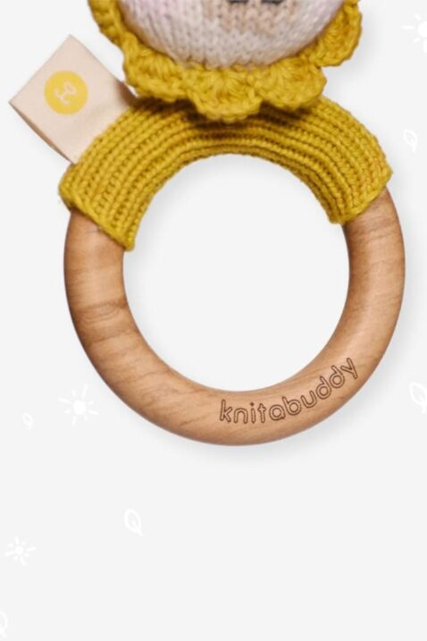 Gelb Kinder Baby Rassel Löwe mit Ohren & Holz Beißring aus OEKO TEX Bio-Baumwolle Organic Cotton für Neugeborene Kinder - Tier Handmade Babyspielzeugvon Knit A Buddy - Nahaufnahme Beißring