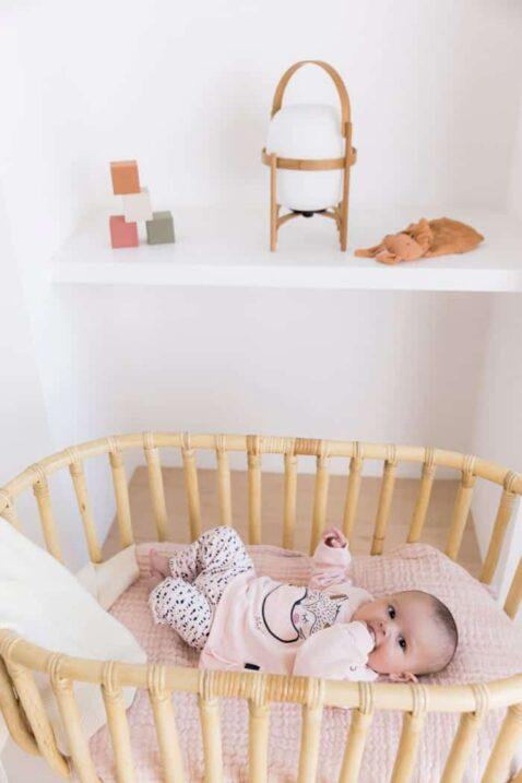 Baby Mädchen trägt 2 teiliges Set gepunktete Kinder Schlupfhose in blau rosa - Baby Oberteil Pullover langarm mit Fuchs Sweatanzug Freizeit von Dirkje - Kinderfoto Babyfoto