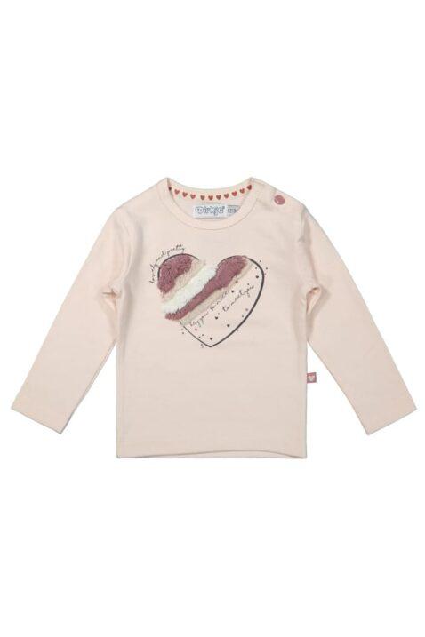 Mädchen Langarmshirt hellrosa Baby mit Herz-Applikation von DIRKJE - Rundhals Kinder langarm Oberteil – Vorderansicht