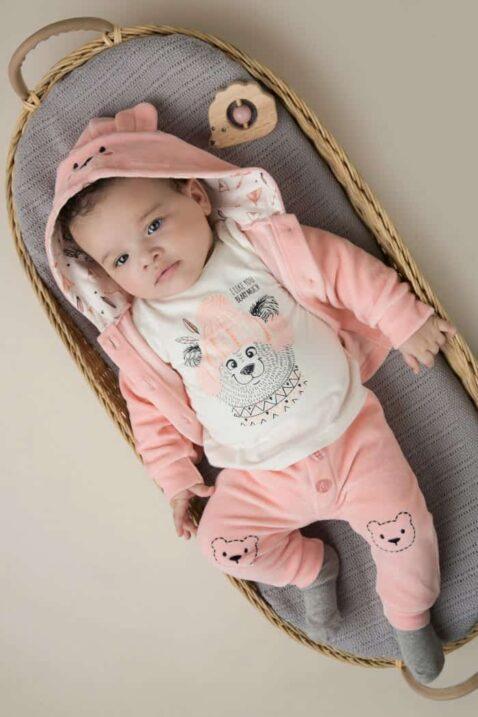 Baby Velours 3er-Set in Rosa mit Tiermotiv für Mädchen Babyjacke mit Bärchen-Kapuze - Oberteil cremefarben mit Druck - Babyhose unifarben mit breiten Bündchen von DIRKJE - Babyfoto Kinderfoto