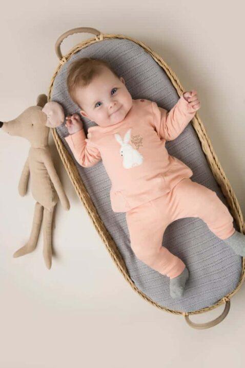 Baby 2er-Set in Rosa mit Tiermotiv weißer Hase Kinderpullover & unifarbene Basic Babyhose mit Punkte Textur + breite Rippbündchen für Mädchen von DIRKJE - Babyfoto Kinderfoto
