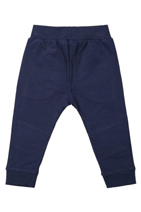 Dunkelblaue Baby Basic Jungen Jogger Jogginghose mit Taschen, Kordel, Knie Ziernähte & Rippbündchen für Jungen - Navyblaue Kinder Sweathose von Koko Noko - Rückansicht