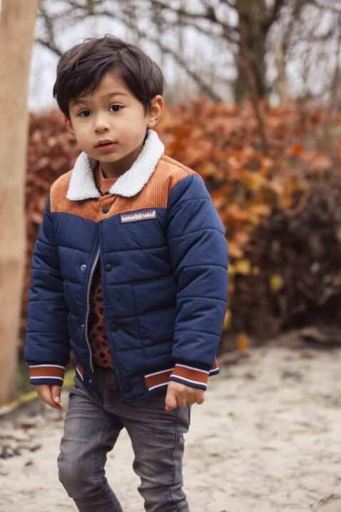 Kinderjacke Winterjacke in braun blau navy gesteppt mit Teddy Kragen weiche gefüttert für Jungen - Moderne Babyjacke Übergangsjacke Herbst Winter von Koko Noko - Babyfoto Kinderfoto