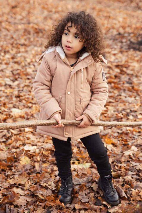 Braune Kinder Winterjacke für Mädchen mit Kapuze Kunstfell weiß Teddyfutter gefüttert - Hellbraune warme Baby Jacke Herbst Winter mit Bündchen & Reißverschluss von Koko Noko - Kinderfoto Babyfoto